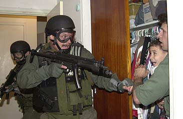 This AP Photo by Alan Diaz won the 2001 Pulitzer Prize for Breaking News Photography